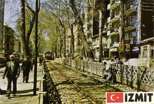 İzmit Yürüyüş Yolunda Eskiden Demir Yolu Vardı ve Tren Geçerdi