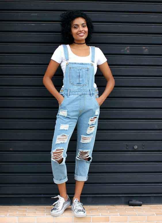 Ideias de looks com jardineira jeans