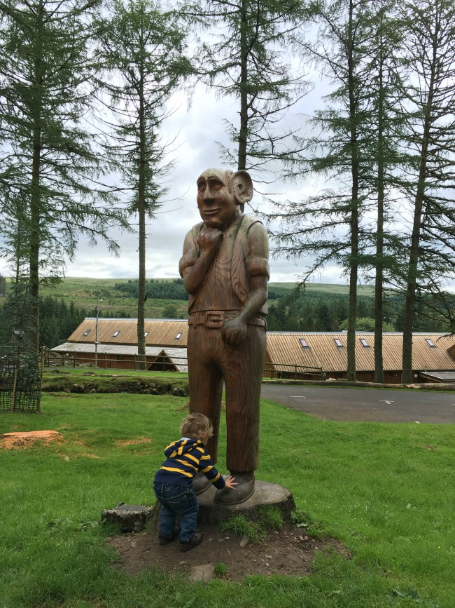 Garwnant-Visitor-Centre-A-Toddler-Explores-bfg-and-toddler