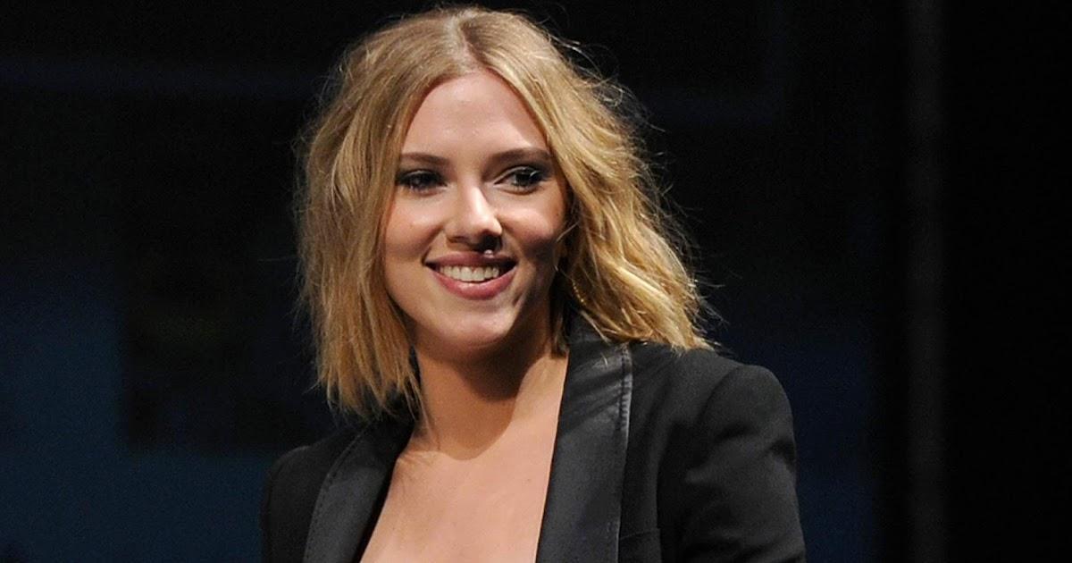 Celebrity Bra Size: Scarlett Johansson - 90D (34C)  Celebrity Bra S...