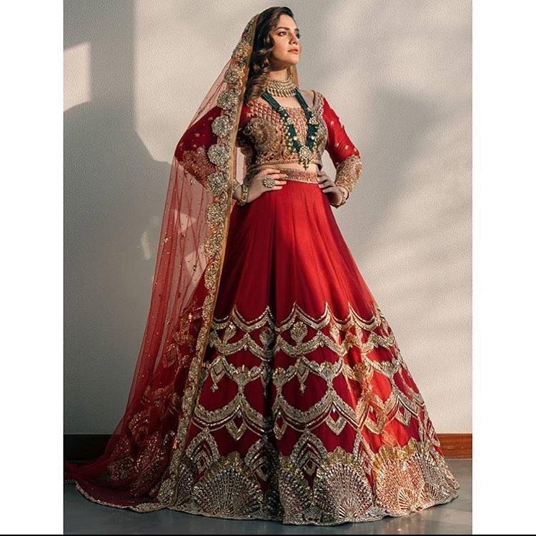 Zara Noor Abbas Stunning New Pictures