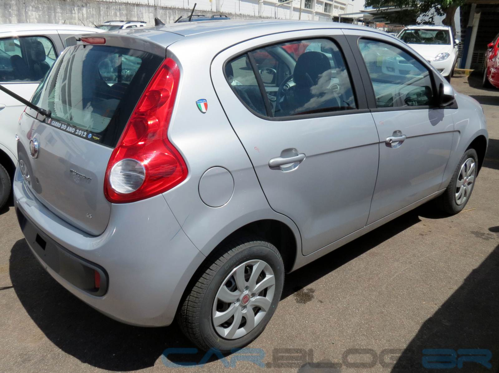 Fiat Palio Attractive 1.4 x New Fiesta S 1.5