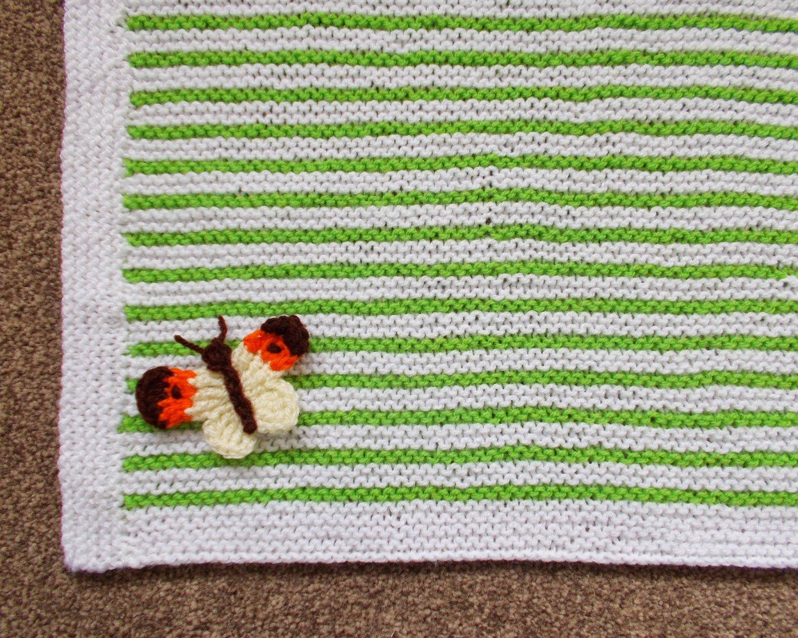 mariannas lazy daisy days: Easy Garter Stitch Striped Baby Blanket