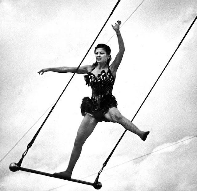 María Cristina del Pino Segura, española considerada mejor trapecista del mundo