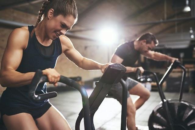 ¿Qué tipo de ejercicios te ayudan a tener huesos más fuertes?