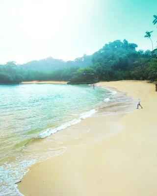 Pantai Pasir Panjang merupakan pantai terpanjang yang ada di kawasan Ngliyep. Foto oleh @rifkydoglekk