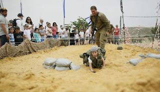 https://www.haaretz.com/opinion/.premium-parental-love-israeli-style-1.5247499