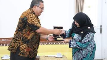 Lepas Mahasiswa IPDN , Bupati Minta Pengalaman Di Sukabumi Jadi Nilai Positif