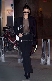 Bella Hadid  exposed in transparent  T shirt  kess  CEleBrity.co Exclusive 03