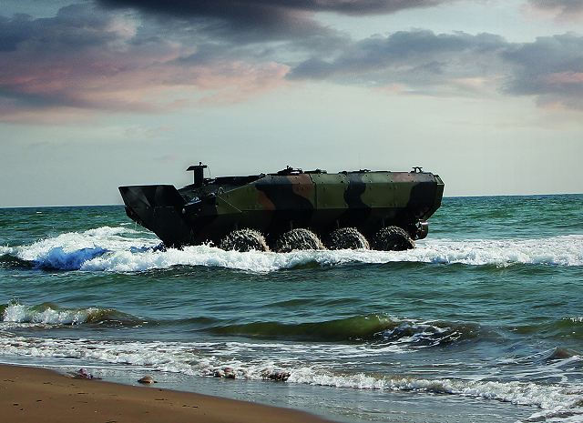 https://1.bp.blogspot.com/-HuntP6mlyEY/WFBA6_wsqVI/AAAAAAAAZO0/5L3-os4Oty0XI1VWzGHftSvjOkqAWAbPQCLcB/s1600/First_Amphibious_Combat_Vehicle_based_on_Iveco_Defence_Vehicles_rolled_out_to_the_US_Marines_640_001.jpg