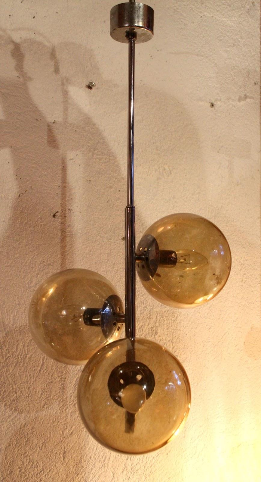 chicbaazar objets vintage 50 60 70 lustre 3 boules. Black Bedroom Furniture Sets. Home Design Ideas