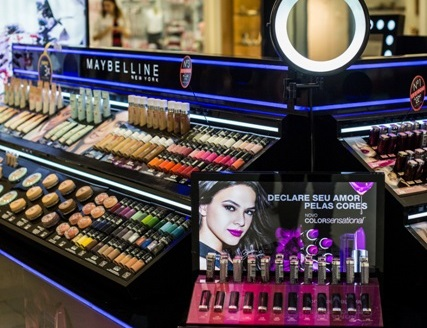 Maybelline NY Brasil tem quiosque no Shopping Curitiba