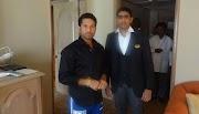 La leggenda del cricket Tendulkar trova il lavoratore dell'albergo che gli ha dato consigli in battuta