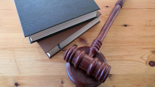 """Juez confiesa """"ponerse cachondo"""" tras escuchar la declaración de un testigo durante un juicio por asesinato"""