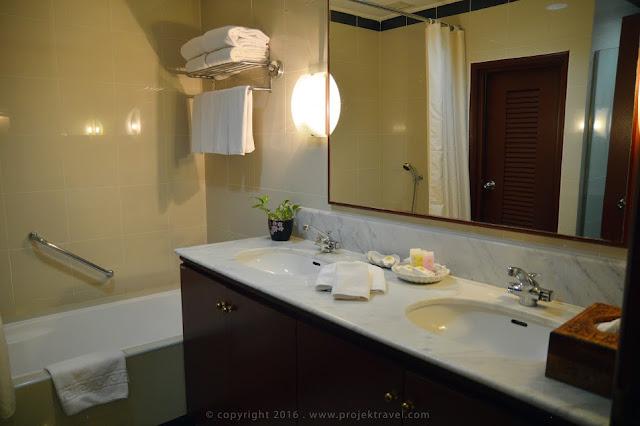 Bilik mandi yang sangat selesa di bilik Executive Room Hotel Klana Resort Seremban