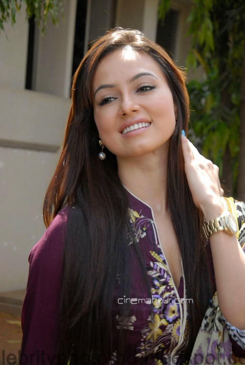 South Indian Beautiful Model Sana Khan Latest Hot Photos With Biography
