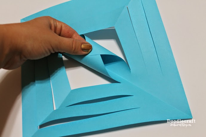 Doodlecraft: Deck the Halls with Paper! 3D Snowflakes and ...
