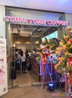 Tom N Toms Coffee Manila, opening, ribbon cutting