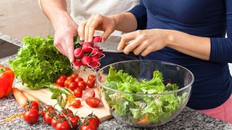 Ha szeretnénk egészségesen táplálkozni, inkább ne ezeket az ételeket együk vacsorára