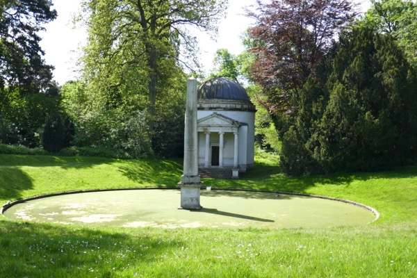Chiswick House Ionic temple Obelisk