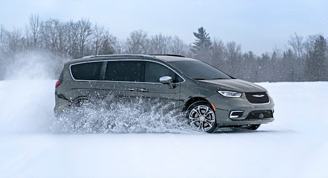 2022 Chrysler Pacifica Review