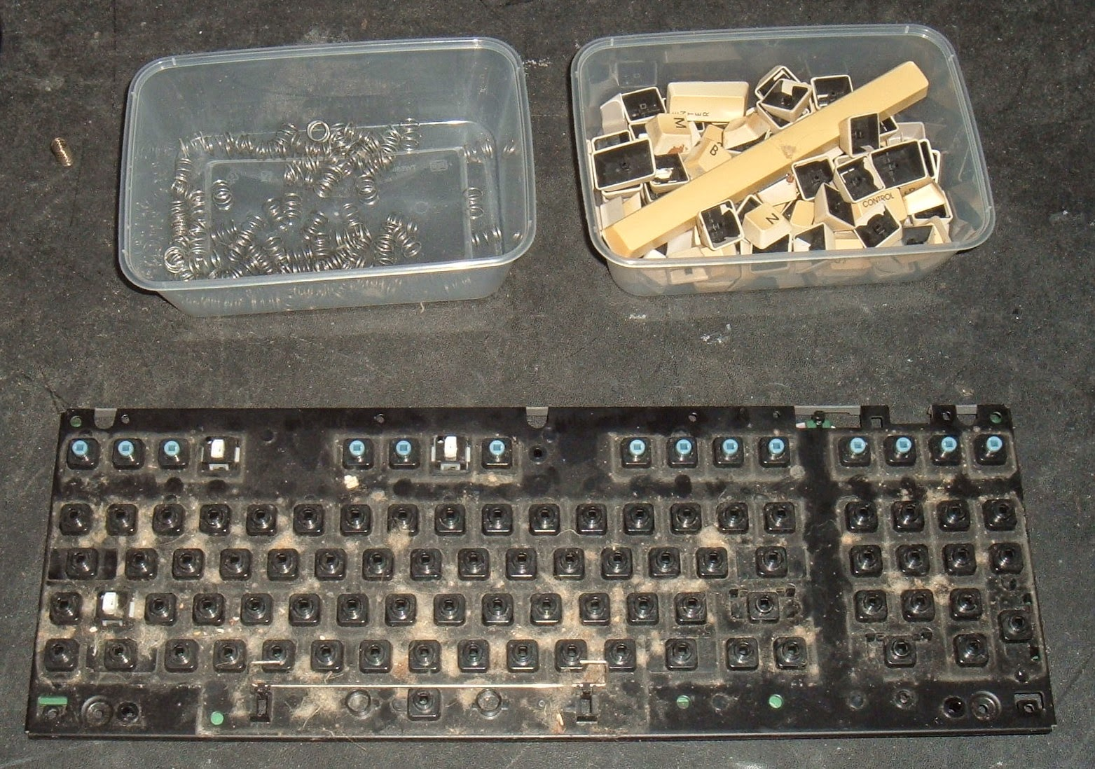 Tynemouth Software: Commodore 128 Repair - Part 2 Keyboard