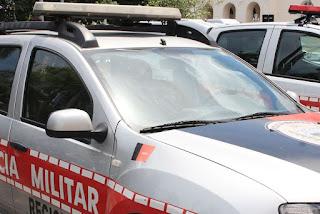 Assaltantes roubam carro e deixam vítimas amarradas em estrada no interior da Paraíba