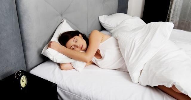 Des aliments à éviter la nuit pour bien dormir
