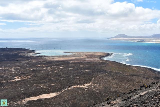 Vistas desde La Caldera en Isla de Lobos