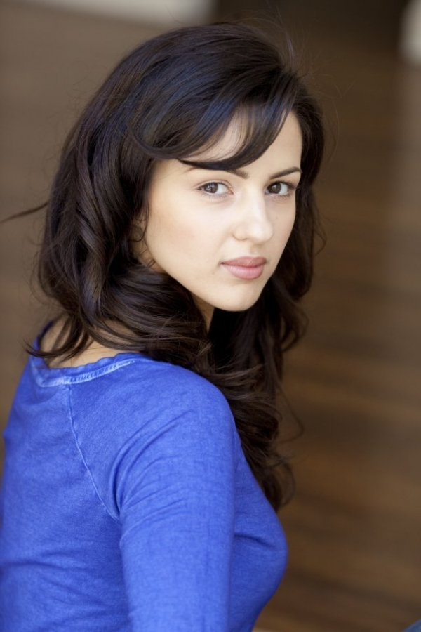 A View from the Beach: Rule 5 Saturday - I Spy Annet Mahendru