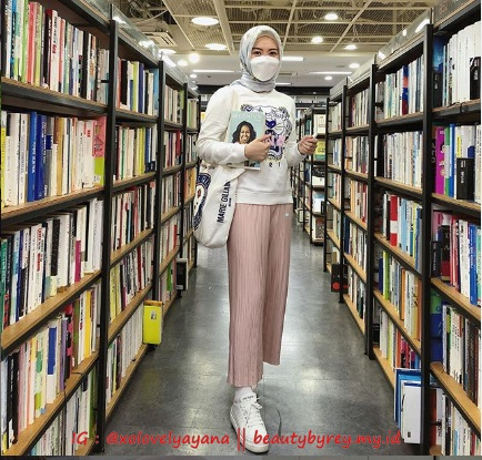 Fashion Ayana Moon Selebgram Mualaf asal Korea