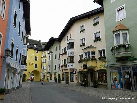 Pueblo de Kitzbühel, Tirol, Austria