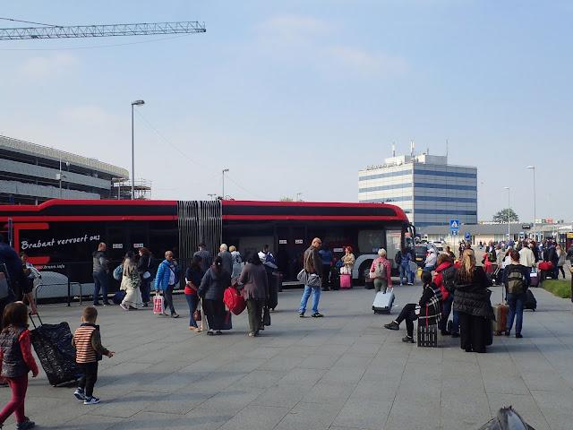 Bus transferowy lotnisko - Eindhoven