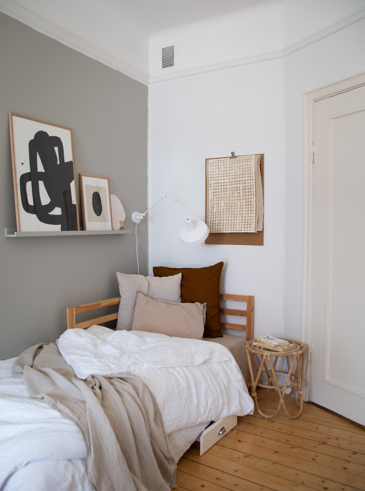Calm and bright home office with daybed by Genevieve Jorn. Photo by Niki Brantmark via My Scandinavian Home