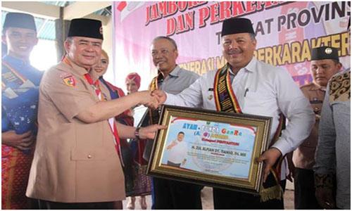 Wako Solok Terima Anugerah ABG Award Kategori Penyantun  Dari Wakil Gubernur Sumatera