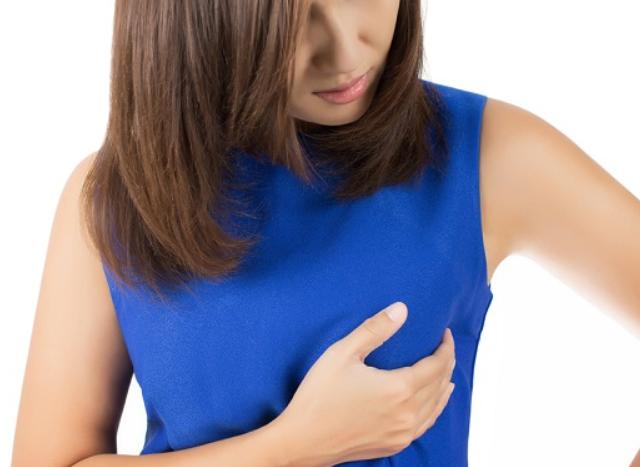 ما هي كتل الثدي وما علاجه