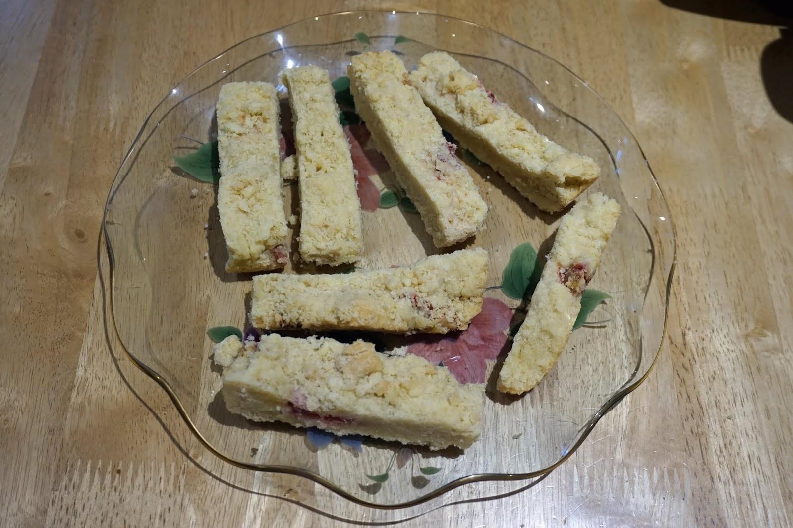 Clotted Cream & Strawberry Shortbread