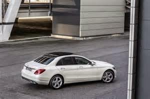 Mobil Mercedes-Benz C-Class yang bakal ada Juni nanti, merupakan type sedan atau wagon. Dan Untuk varian sedan konsumen bisa memilikinya dengan membayar senilai 31. 683 euro (Rp 17.000 n /Euro), Selanjutnya adalah model wagon yang dihargai 33. 349 euro.