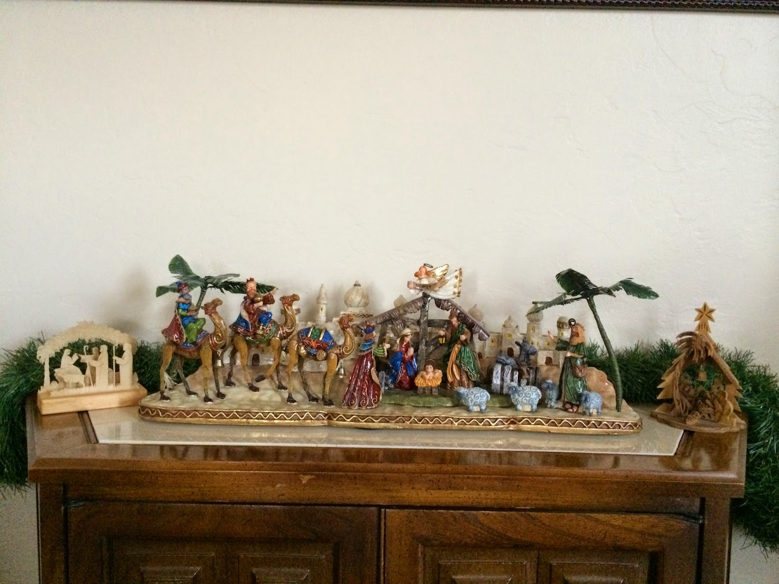 wood carved nativity plays