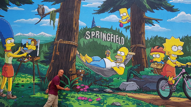 Springfield OR's commemorative Simpson's mural...