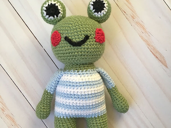 Marshall the Frog - A Free Crochet Pattern