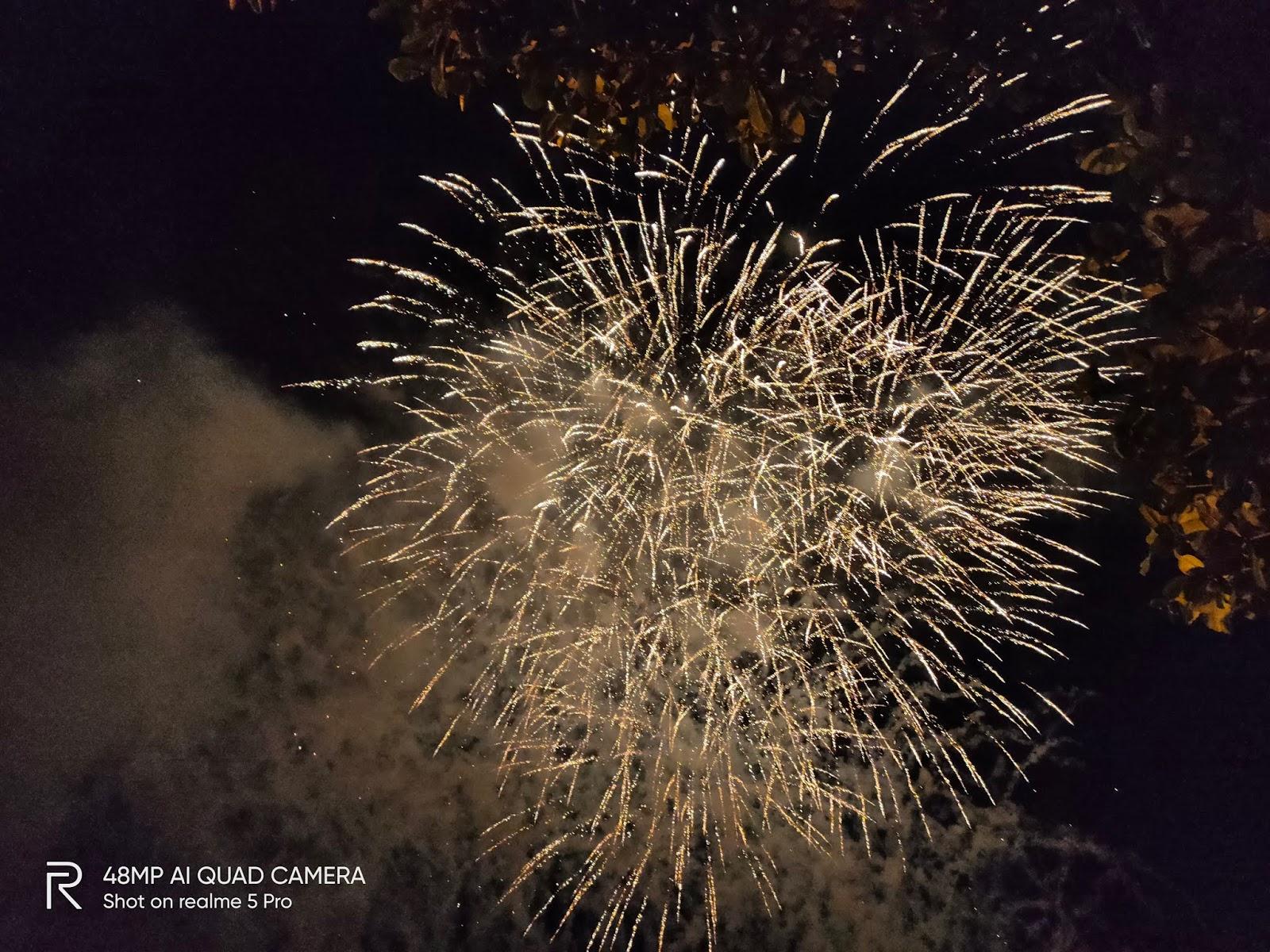 realme 5 PRO fireworks shot jexxhinggo.com