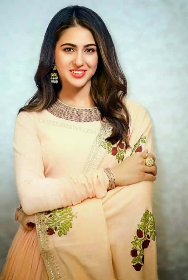 bollywood actress in salwar kameez, indian actress beautiful dress
