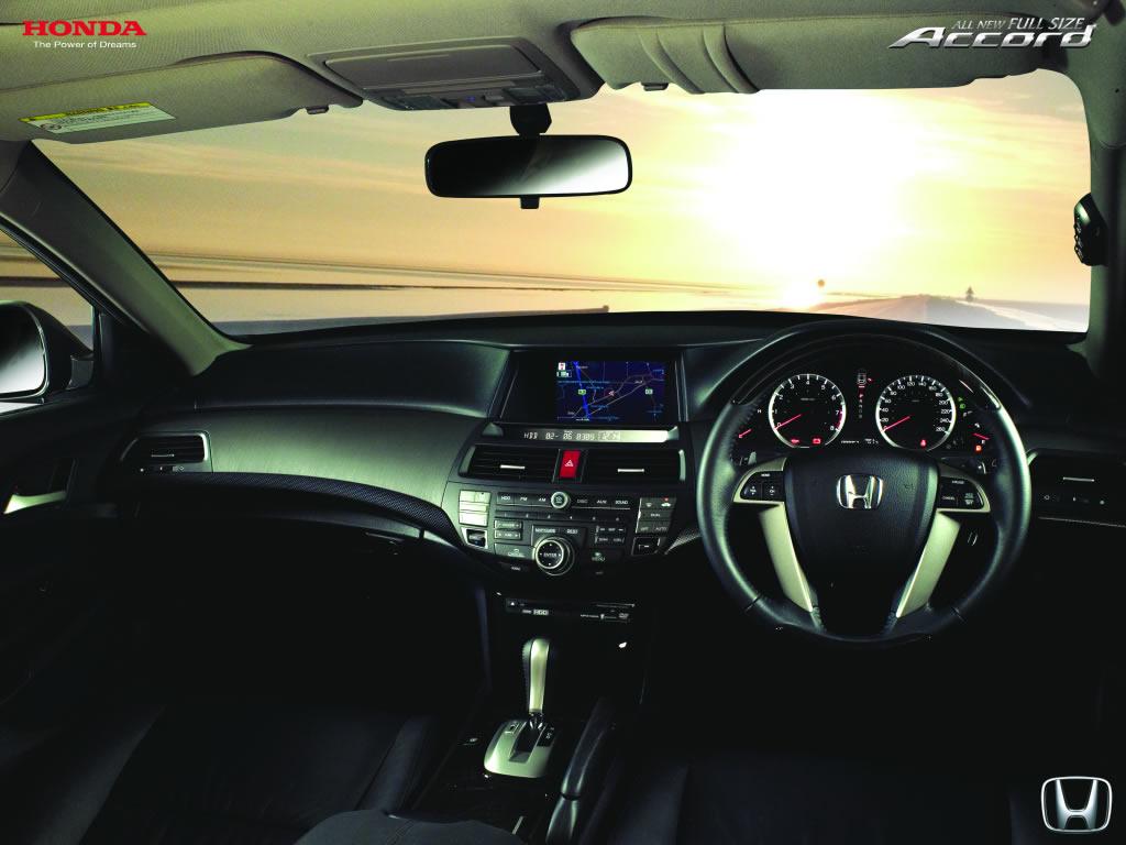Honda Accord sewa rental mobil