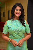 Pooja Jhaveri in Beautiful Green Dress at Kalamandir Foundation 7th anniversary Celebrations ~  Actress Galleries 095.JPG