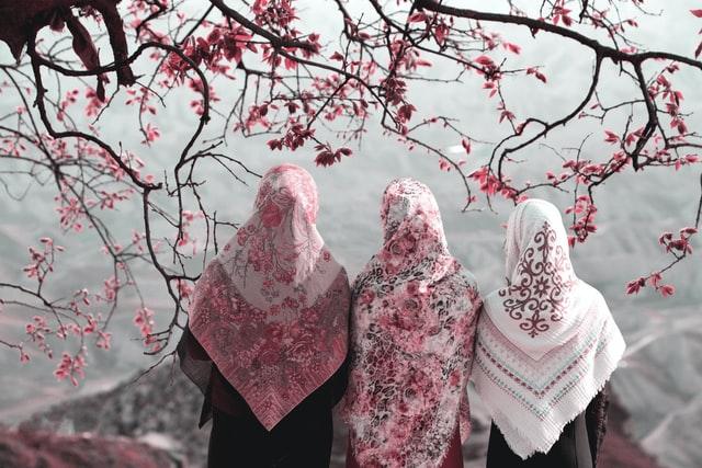 Cara mudah mencuci hijab agar wangi tahan lama