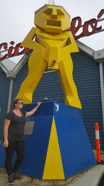 'Yellow Man' by Greg James | Freemantle Public Art