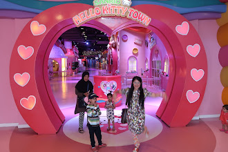 Tonton VIDEO di Sanrio Hello Kitty & Thomas Town di Puteri Harbour Johor Bahru