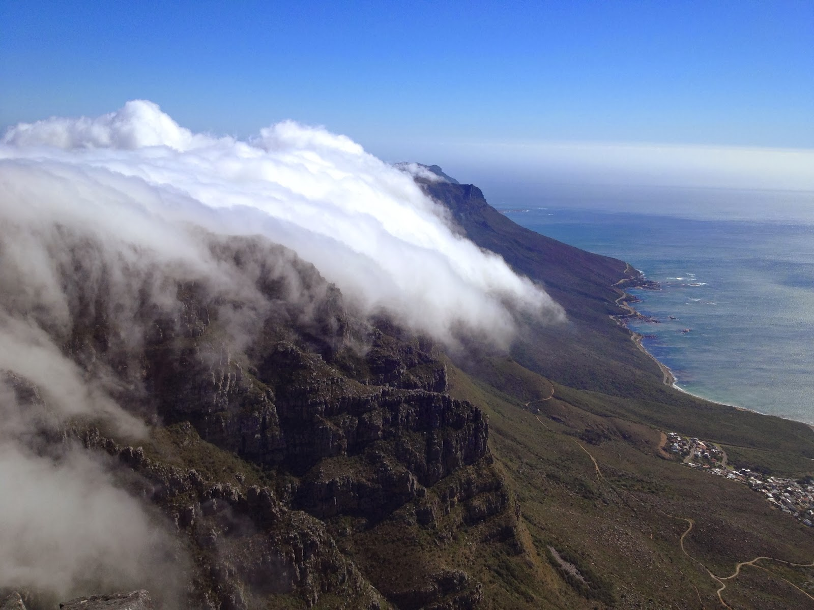 Cape Town - Clouds sit right on top of Table Mountain
