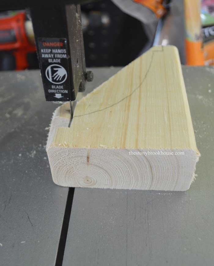 Cutting out corner of corbel pattern